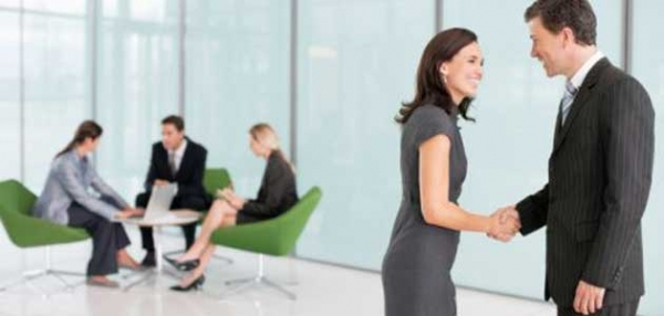 Body Language Tips to Help Women Lead in the Workplace